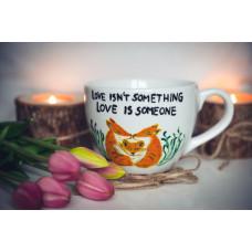 Duży porcelanowy kubek lisy - love dont isn't something